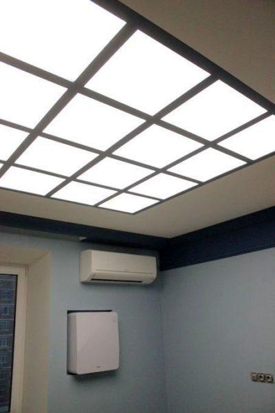 Натяжной световой потолок на ул. Заречной в гостинной