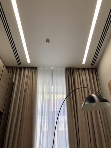 Монтаж световых линий на ул. Гоголя в гостиной