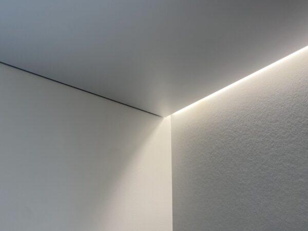 Светящийся потолок на Кахова 25 в Москве