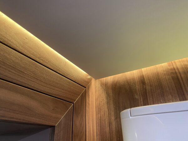 Натяжной световой потолок на Кахова 25 в зале
