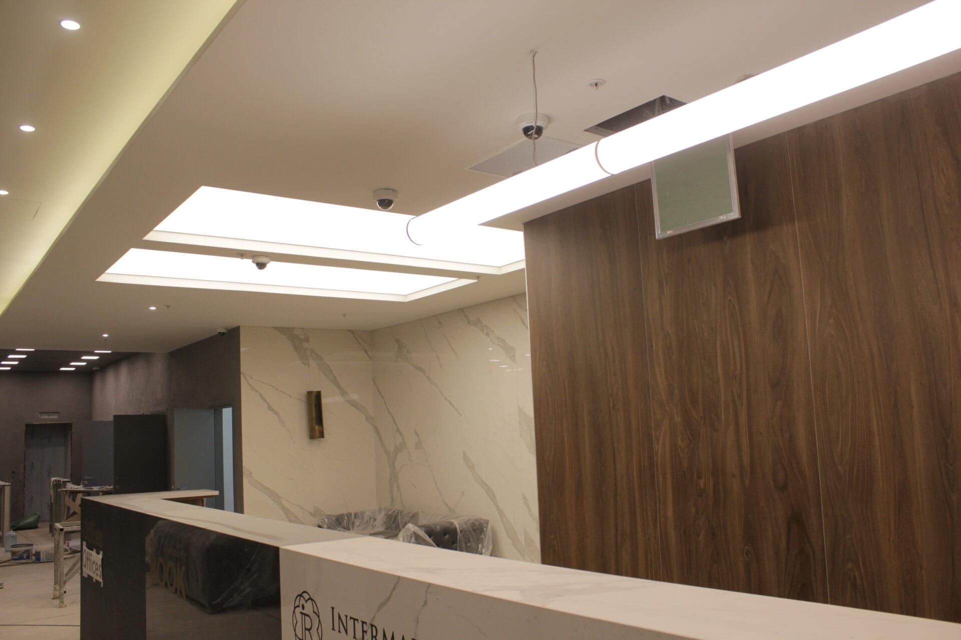 Световой потолок на Новом Арбате в офисе
