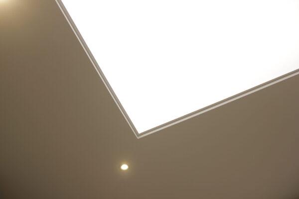 Световой потолок в ЖК Арт - узнать цены