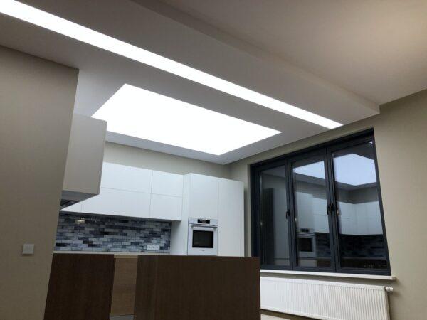 Световой потолок на Живописной : фото